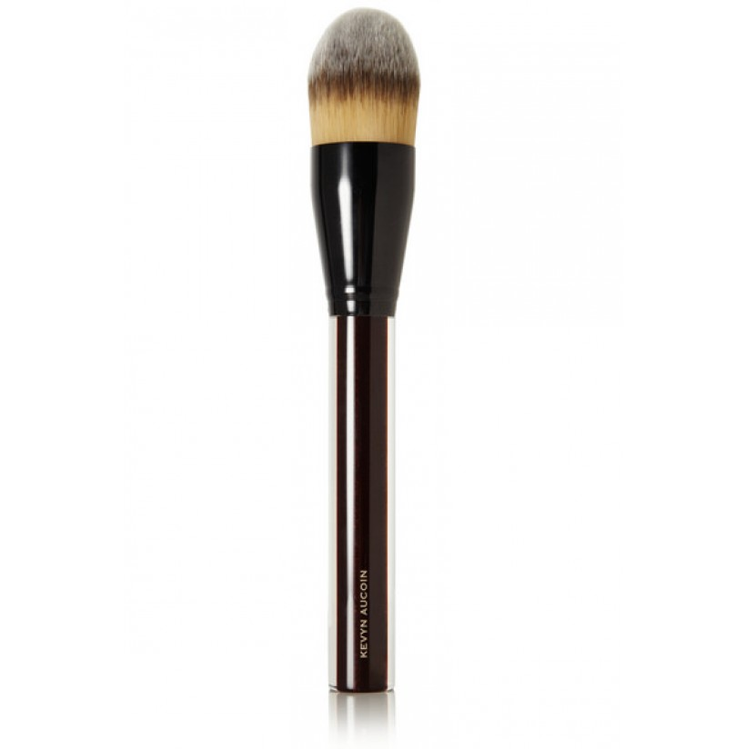 Kevyn Aucoin - The foundation brush