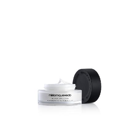 Black Baccara - Moisturizing Bio-Adaptive Soft Cream
